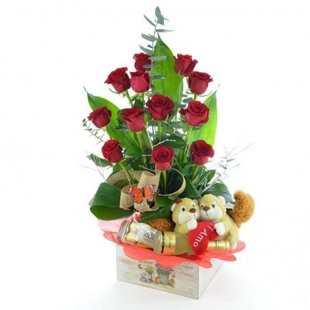 Centro de 12 rosas peluche y chocolates
