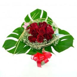ramo rosas hojas grandes