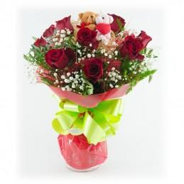 Ramo de rosas con peluches
